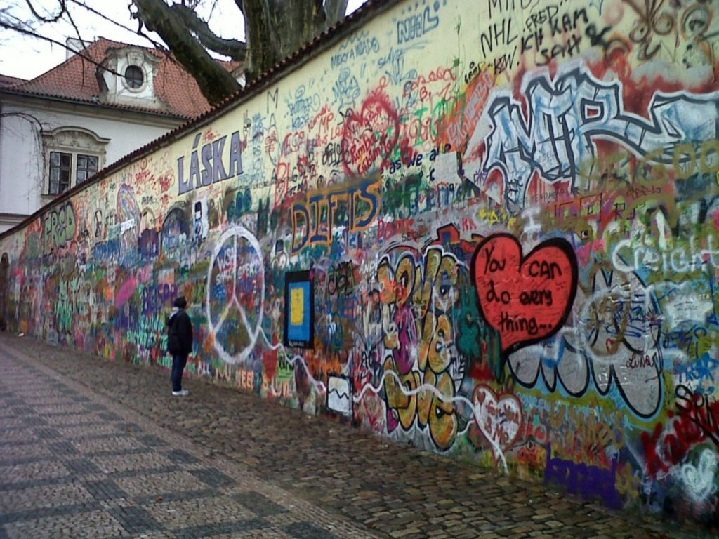 el-muro-de-john-lennon-prague